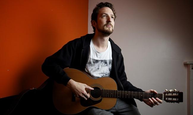 Politkus és érzékeny brit folk-punk: Frank Turner