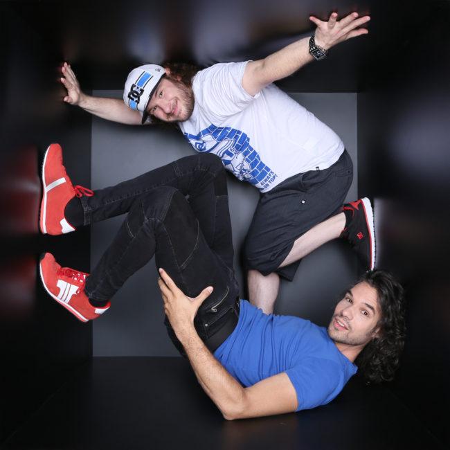 A nagy sikerű, improvizációs koncertsorozat vezetői: Delov Jávor és DJ Q-Cee