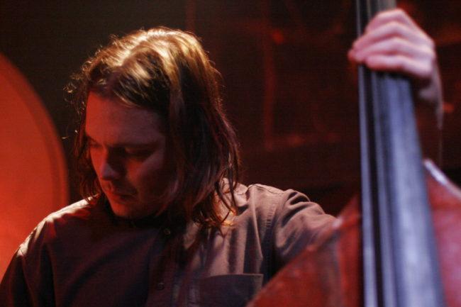 A kortárs kísérleti zenék egyik legismertebb alakja: Trevor Dunn